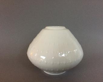 """Edelstein Bavaria Ufo shaped Mid Century Modern 1960s  Germany white Porcelain ,,Op Art"""" vase."""