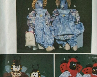 Simplicity Pattern 7119 Bluebird, Ladybug, Bee, Clothes, Uncut Free Shipping