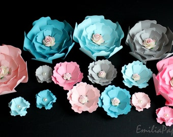Set of 15 Paper Flowers Decoration/Birthday/Wall Décor/Backdrops/Weddings and Showers decoration