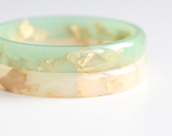 Sea Foam Resin Bangle 6.5 cm - resin stacking faceted bracelet with gold flakes