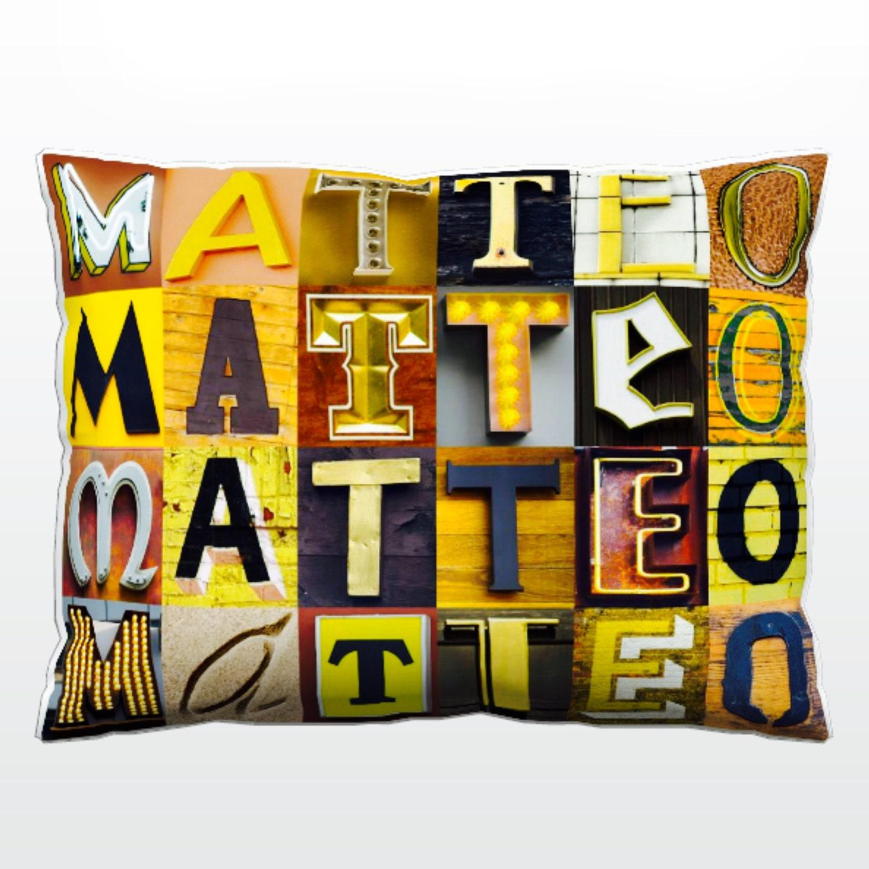 Personalizada almohada con MATTEO en fotos de las letras del