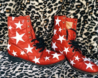 Red starry leather boots