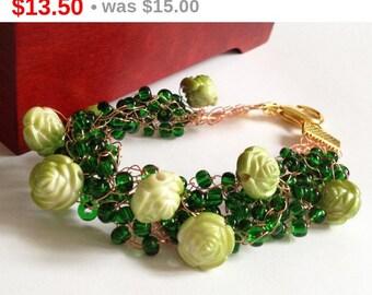 Valentine's Sal Green wire crochet bracelet/ Rose bracelet/ Crochet Bracelet/ Crochet Wire Bracelete/ Christmas jewelry/ Jewelry Beads Wi...