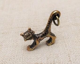 Bronze Smiling Cat pendant and bottle-opener trinker fun gift