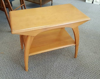 Gorgeous champagne finish Heywood Wakefield end table with shelf