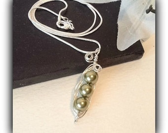 Sterling Silver Pea Pod Necklace