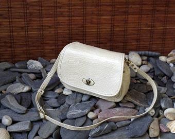 handmade bag, shoulder bag, tote bag, crocodile print leather beige