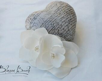Ivory satin magnolia hair flower;magnolia bridal hair flower;ivory bridal hair clip;ivory wedding hair clip