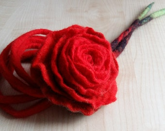 Felt Necklace. Felt Wool.Felt.Natural Jewelry. Red.Natural.Eco.Bio.Felt jewelry.Flower.Felt flower.Felting.