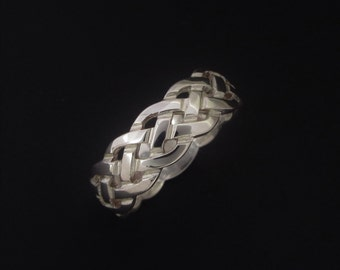 Celtic knot band•celtic knotwork ring• handmade in lreland