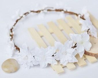 Handmade women wedding flower crown, bridal headpiece, white flower wreath headband, bridal hair accessory