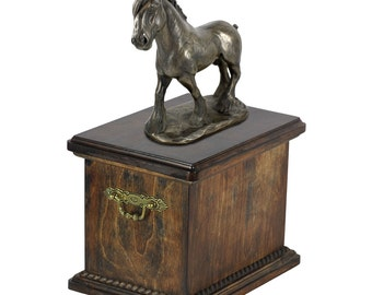 Urn for horse ashes with a standing statue - Shire horse, ART-DOG