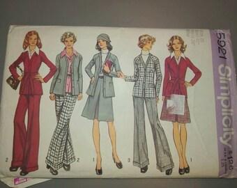 Vintage Simplicity Pattern  5921 Sz 10-20 Uncut 1970 womans suit set