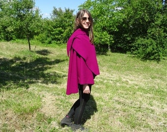 Poncho of violet wool