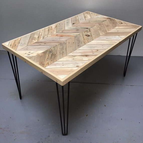 reclaimed pallet wood chevron dining table chevron by caisleyco. Black Bedroom Furniture Sets. Home Design Ideas