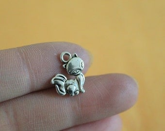 Fox charms antique silver tone 15*14mm Silver Metal Animal Charms, Fox Pendants, Jewelry Making