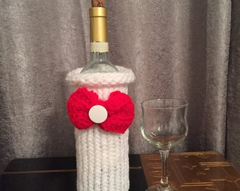 White wine bottle cozy, crochet gift bag, wine jacket, wine sweater, wine bottle cozy, hostess gift, new home gift, wine lover bar decor
