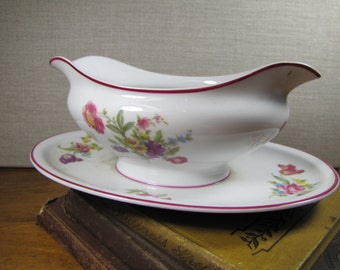 Vintage Hutschenreuther Hohenberg Germany Gravy Boat With Attached Under Plate