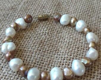 Simple and elegant Freshwater Pearl bracelet