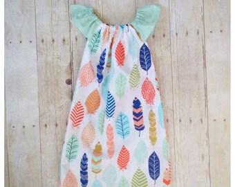 Girls spring dress- baby girl dress- summer dress- newborn outfit- peasant dress- toddler summer dress- feather dress- flutter sleeve dress