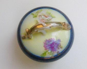 Art Nouveau porcelain box