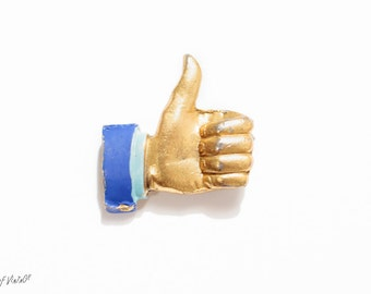 Facebook Like Vintage Pin | Thumbs Up Pin | 1970s Kitsch Jewelry | Vintage Badge | Techie Gift