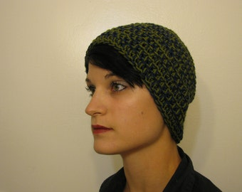 Slouchy beanie in navy and olive