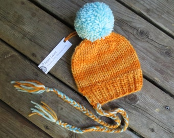 Soft and warm merino hat for infant- Winter hat for baby - Ear-covering hat - Merino wool - Natural fiber - Choose your colour!