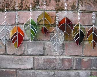 Glass Laurel Leaf Sun-catcher