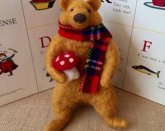 Needle felted bear, felted bear, wool bear, Waldorf toy, little bear, felted animal, felt bear, bear collectible, handmade bears, Waldorftoy