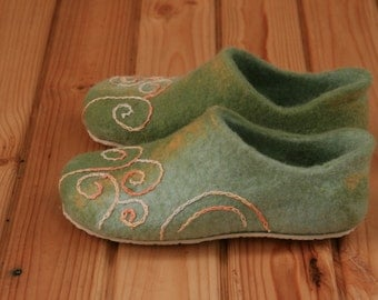 Women slippers Handmade Wool felted slippers Slippers with rubber soles Fresh green and olive with embroidery