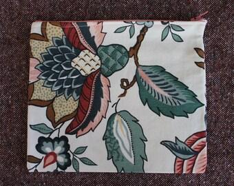 Vintage Floral Zipper Pouch // Makeup Bag