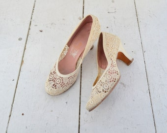 1940s House of Pierre Cream Lace Heels, Size 6
