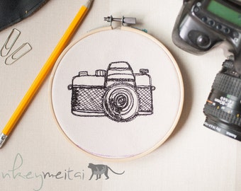 Retro Camera Sketch Hoop Art Embroidery | Wall Decor | Gift | Free Motion Embroidery