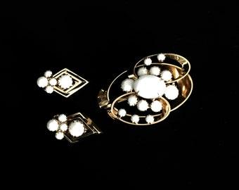 Vintage 50's White Facet Bead Set  VG2303