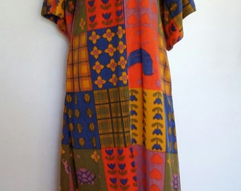 70's bathrobe, S, M, zip front robe, patchwork robe, 70's robe, folk style robe, cute bathrobe, fleece robe, vintage robe