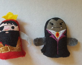 Pirate and Vampire finger puppets / Finger fight / Thumb war puppets