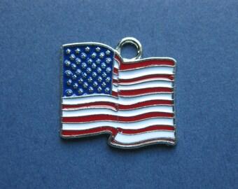 5 American Flag Charms - American Flag Pendants - American Flag - Flag Charm - Enamel Charm -  24mm x 22mm  --(No.51-10258)