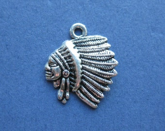 10 Indian Charms - Indian Pendants - Native American - Indians - Antique Silver - 21mm x 18mm --(No.73-10534)