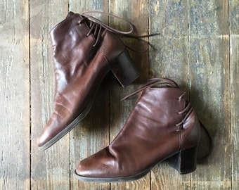 Vintage Rich Chocolate Brown Soft Leather Rear Lace Up Short Heelend Ankle Boots 7.5 M