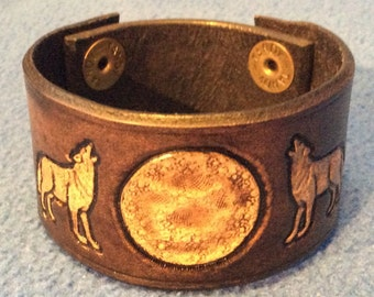 Howling Wolves 2 Leather Cuff