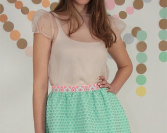 Shirt, blouse in pale pink silk organza. Puffball sleeve with small pleats