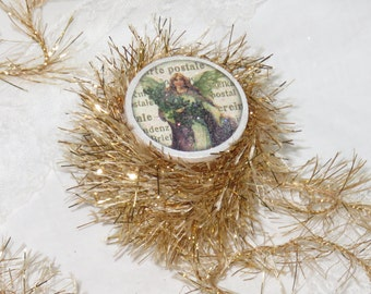 6 yds Christmas Star, Bright Gold Tinsel Glitter Twine Trim, DISCONTINUED GET IT Before Its Gone, Wood Spool, Craft, Knit, Yarn