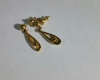 Vintage Monet signed Gold Dangle Earrings for pierced ears