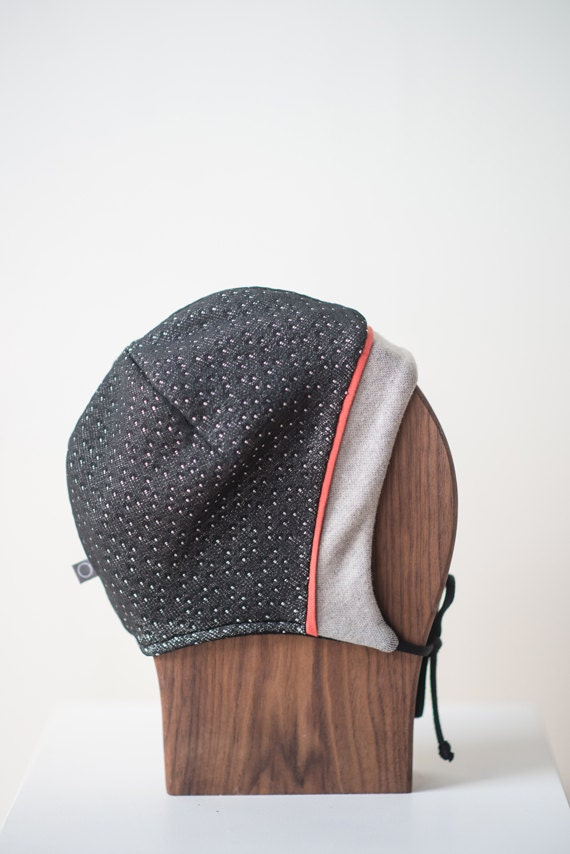 LINOTTE - winter hat with prints, polar linning for baby and kids: boys and girls - black with smalls whites dots