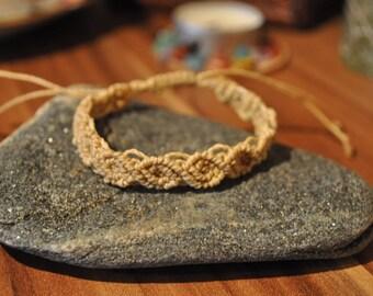 Macrame beige bracelet-