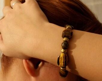 "Bracelet ""Eye of tiger"". Semi precious stones. Bracelet ""Oeil de tigre"". Pierres semi précieuses."