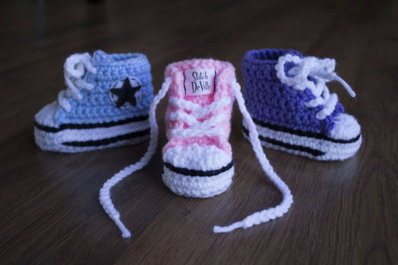 Crochet Converse style baby booties in light blue by ...