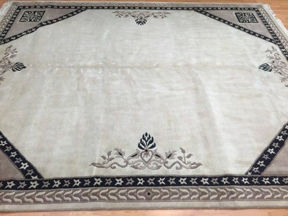 8' x 10' Indian Nepal Oriental Rug - Hand Made - 100% Wool - Very Elegant