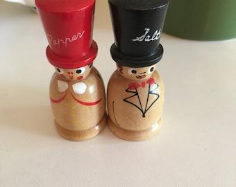 Cute little couple Salt & Pepper